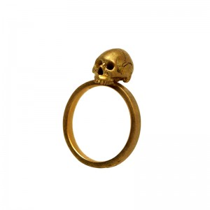 Yuri Tozuka, Gold Anatomical Skull Ring