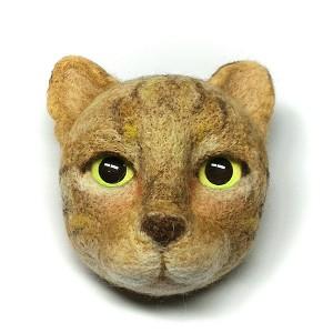 Momoko Kumai, Cat Brooch