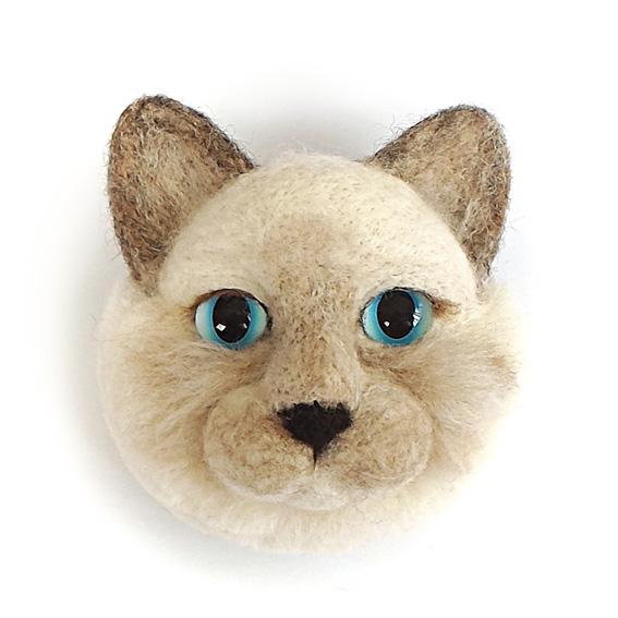 Cat Face Brooch