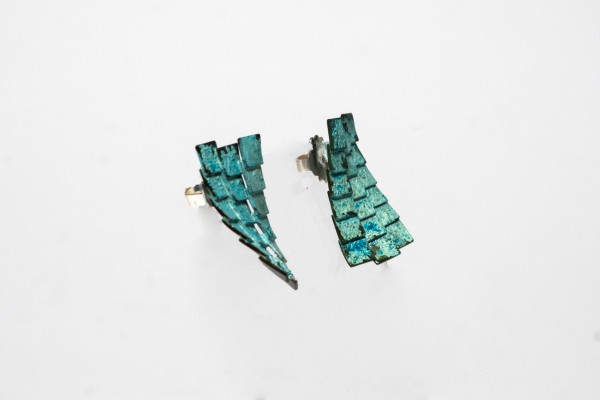 Earrings_Blue_sideview