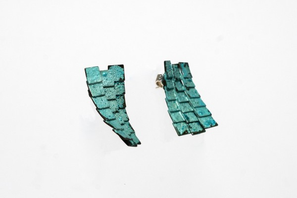 Earrings_Blue_sideview_Pair2