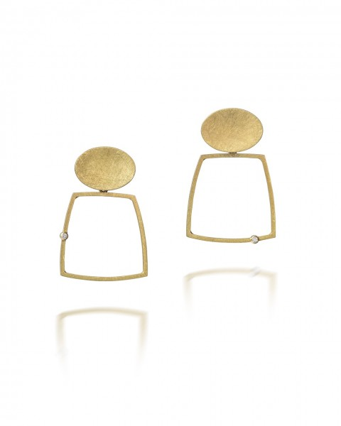 Four sqaure frame earrings with brilliant cut diamonds.1
