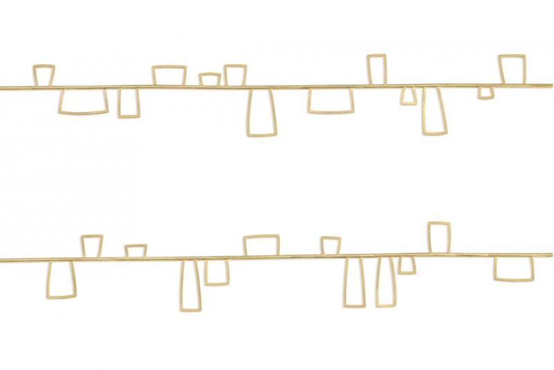 Long horizone necklace detail